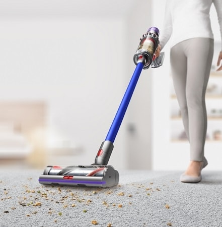 Dyson V11 Absolute In Use